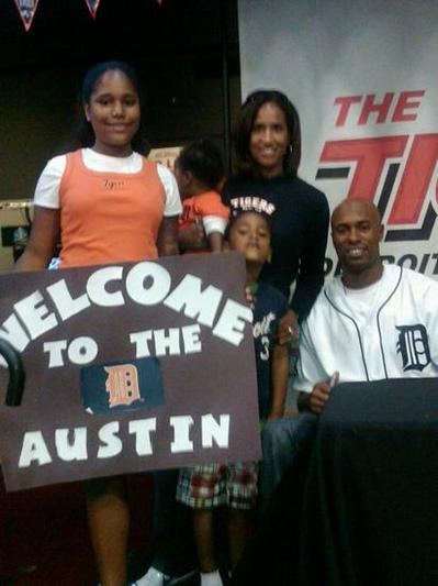 Austin Jackson Gloves For Kids.jpg
